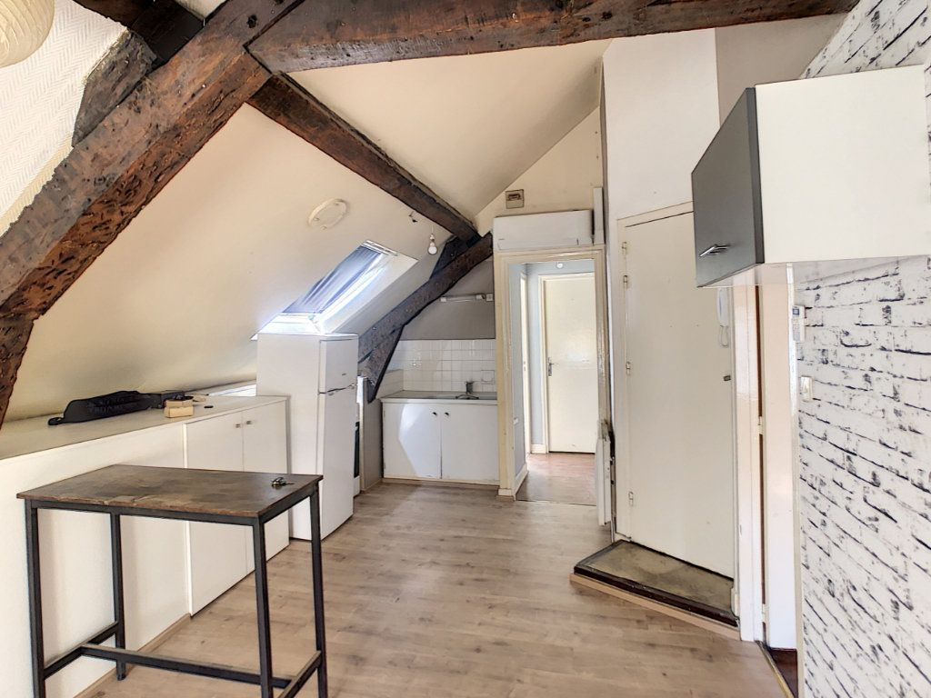 Appartement à louer 3 36.62m2 à Brive-la-Gaillarde vignette-3