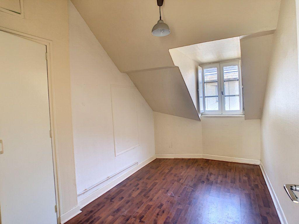 Appartement à louer 3 36.62m2 à Brive-la-Gaillarde vignette-5