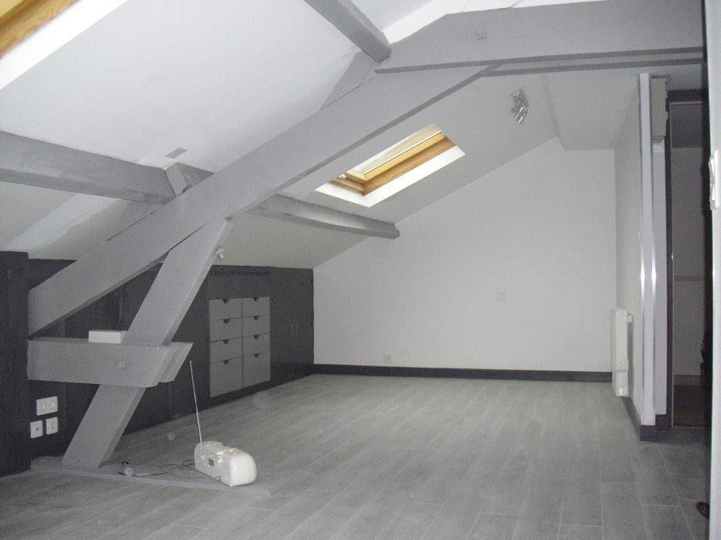 Appartement à louer 2 33m2 à Brive-la-Gaillarde vignette-2