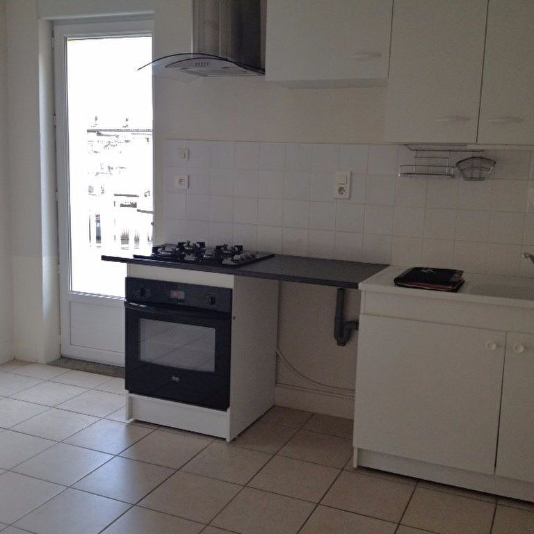 Appartement à louer 2 42m2 à Brive-la-Gaillarde vignette-2