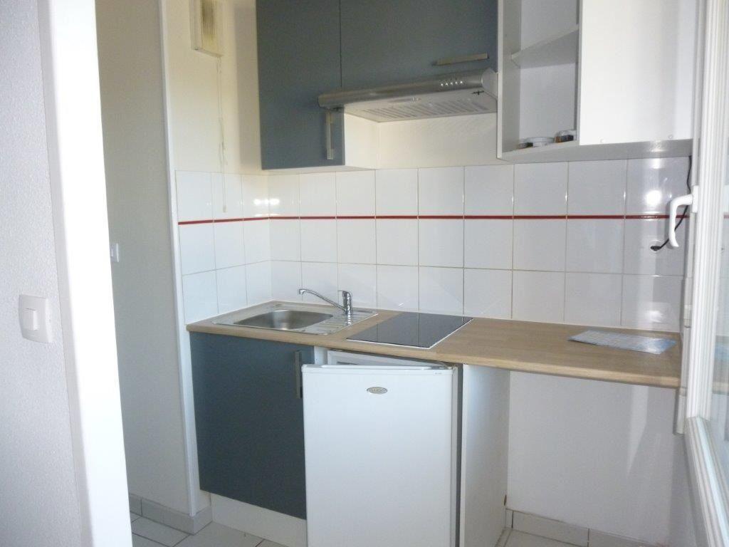 Appartement à louer 2 49m2 à Brive-la-Gaillarde vignette-3