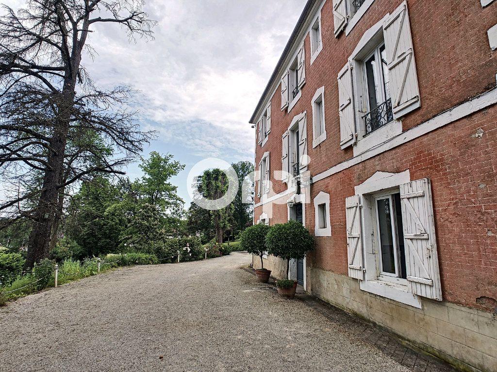 Maison à vendre 12 322m2 à Saint-Pantaléon-de-Larche vignette-2