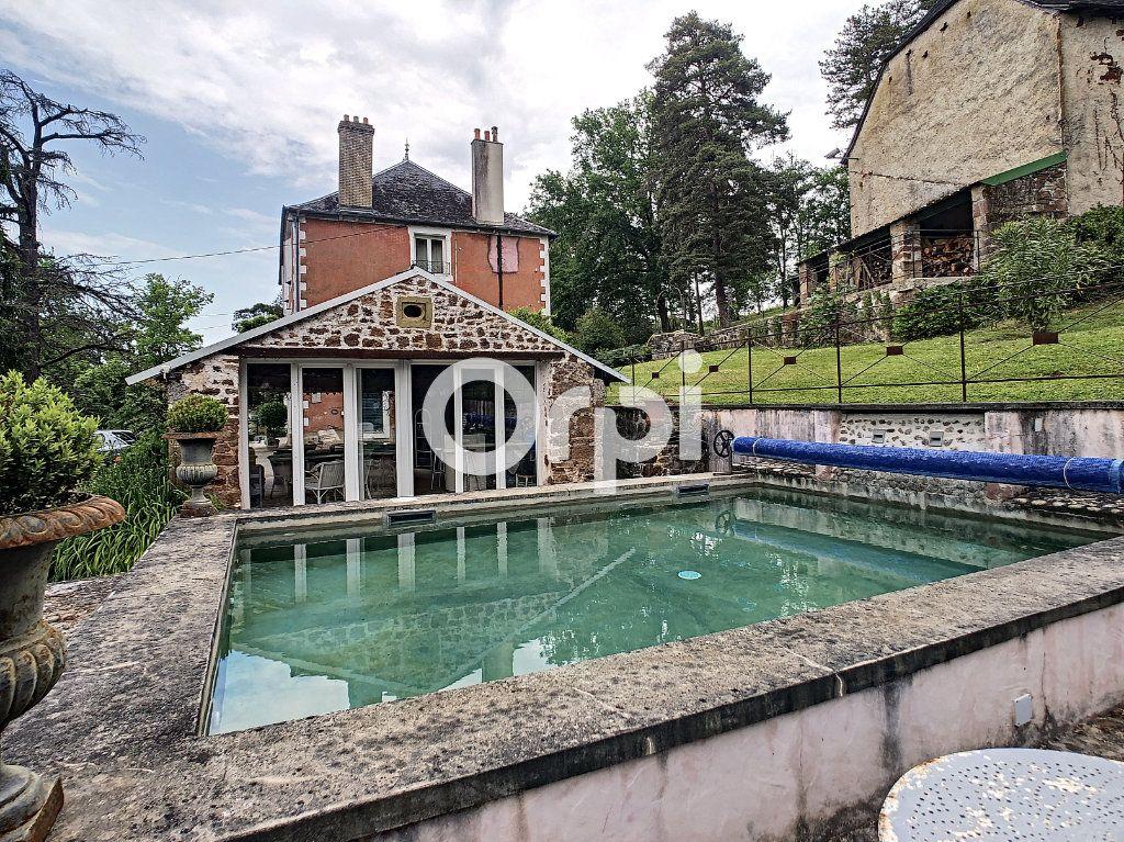 Maison à vendre 12 322m2 à Saint-Pantaléon-de-Larche vignette-5