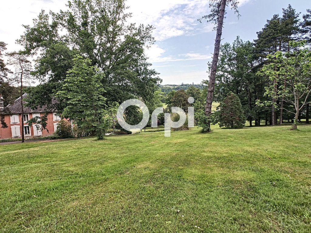 Maison à vendre 12 322m2 à Saint-Pantaléon-de-Larche vignette-6