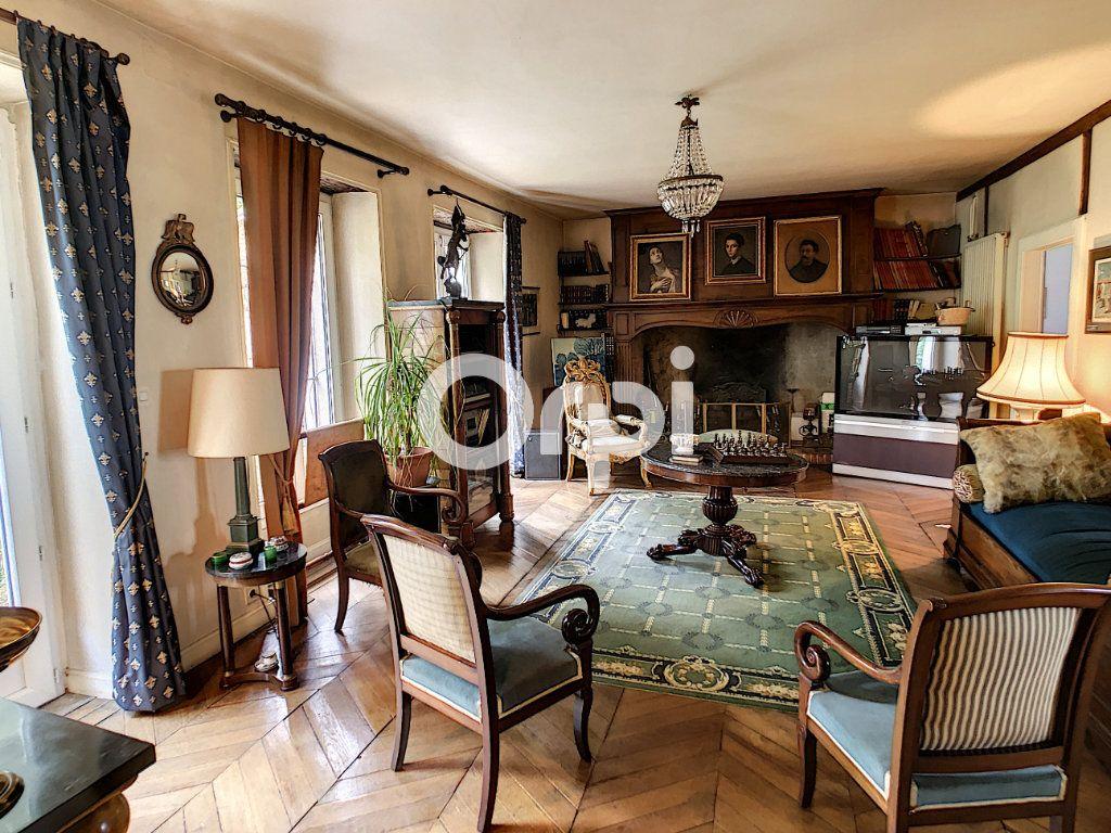Maison à vendre 12 322m2 à Saint-Pantaléon-de-Larche vignette-10