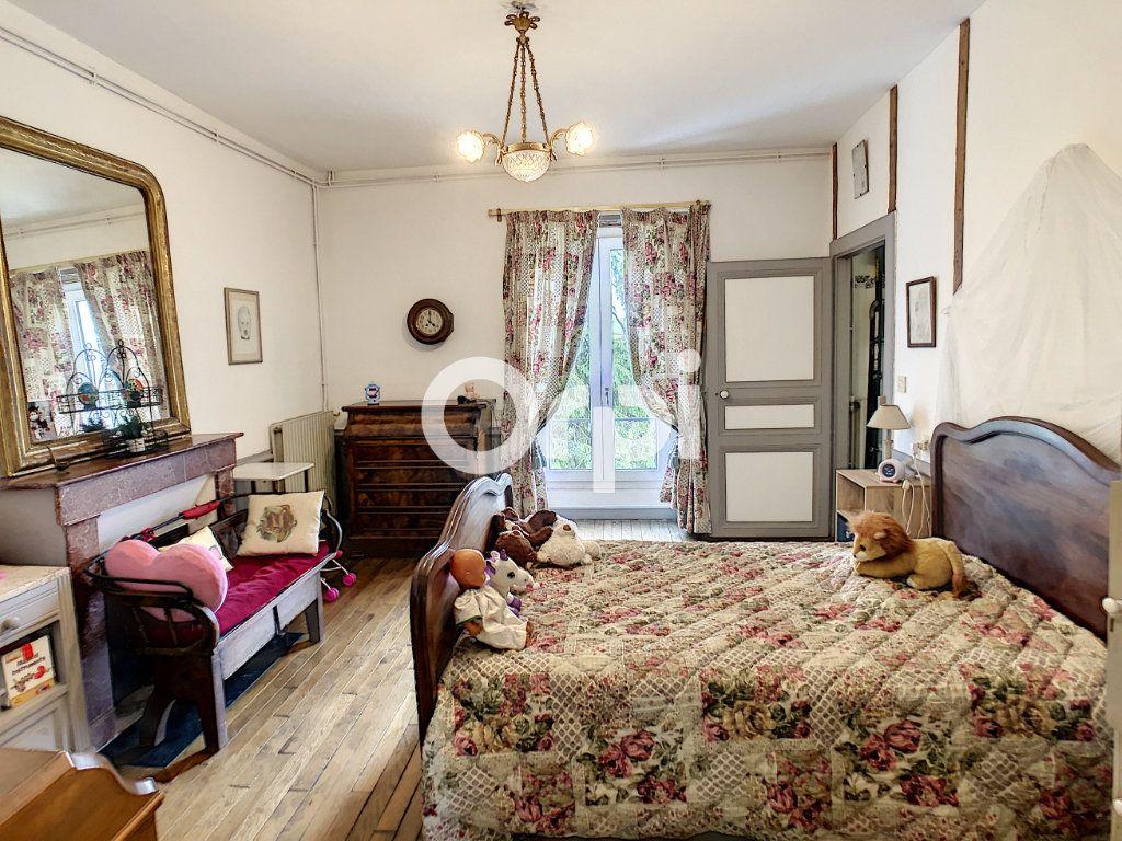 Maison à vendre 12 322m2 à Saint-Pantaléon-de-Larche vignette-11