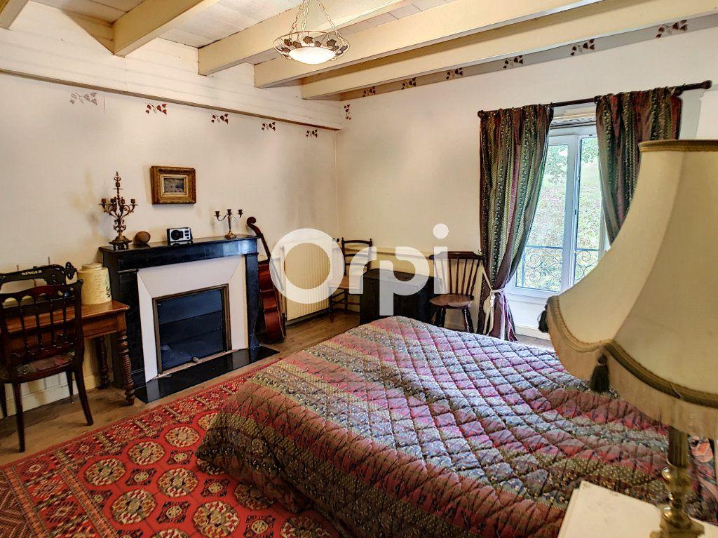 Maison à vendre 12 322m2 à Saint-Pantaléon-de-Larche vignette-15