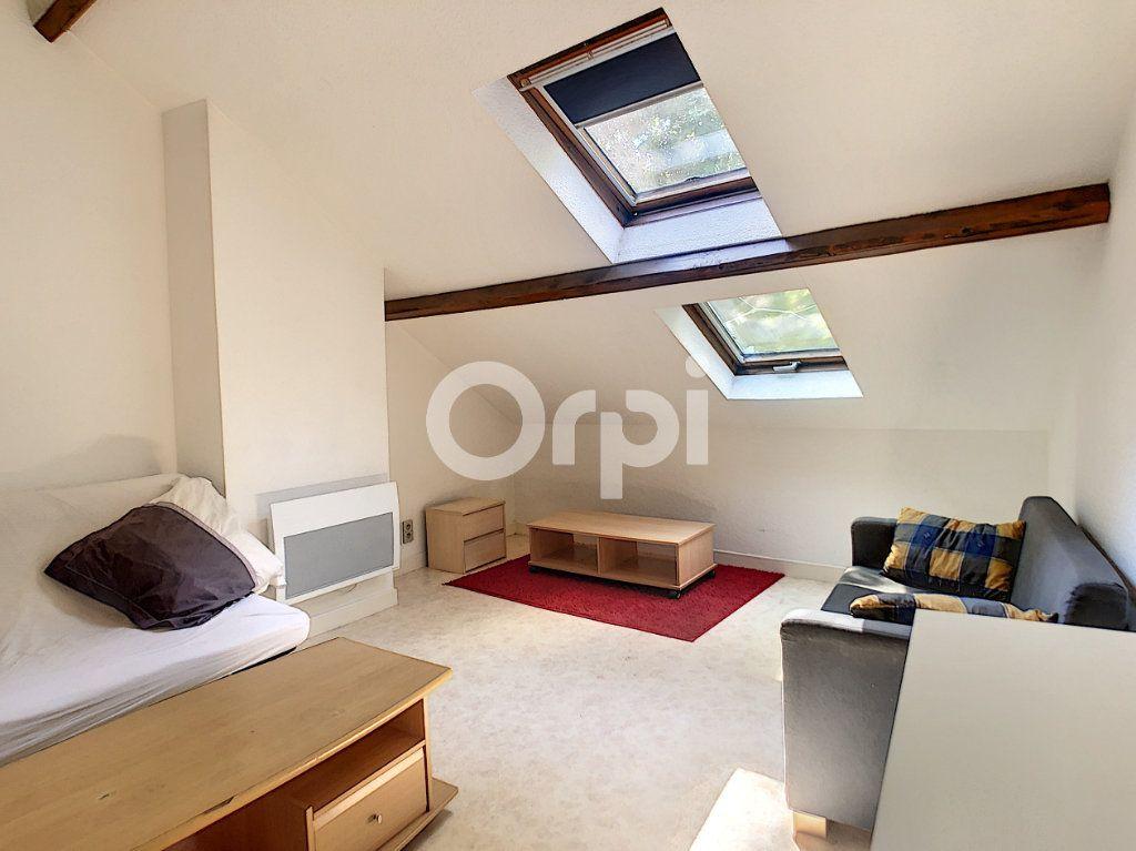 Appartement à louer 1 21m2 à Brive-la-Gaillarde vignette-2