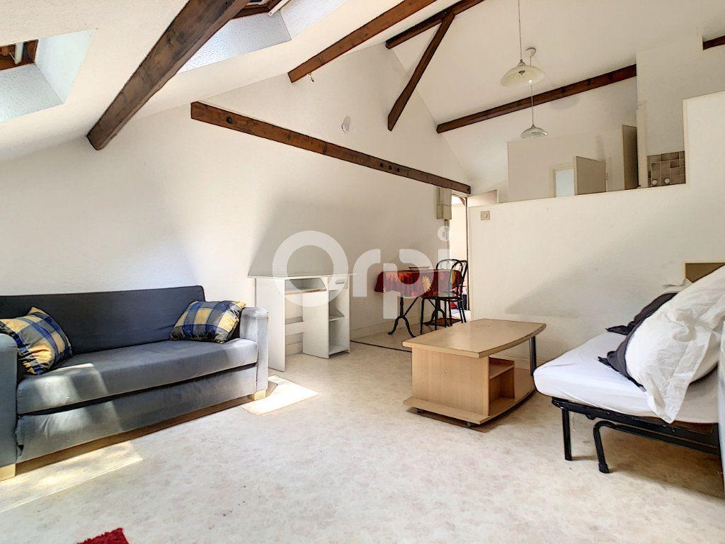 Appartement à louer 1 21m2 à Brive-la-Gaillarde vignette-3