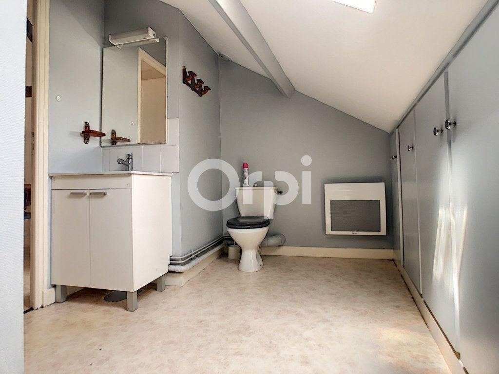 Appartement à louer 1 21m2 à Brive-la-Gaillarde vignette-5