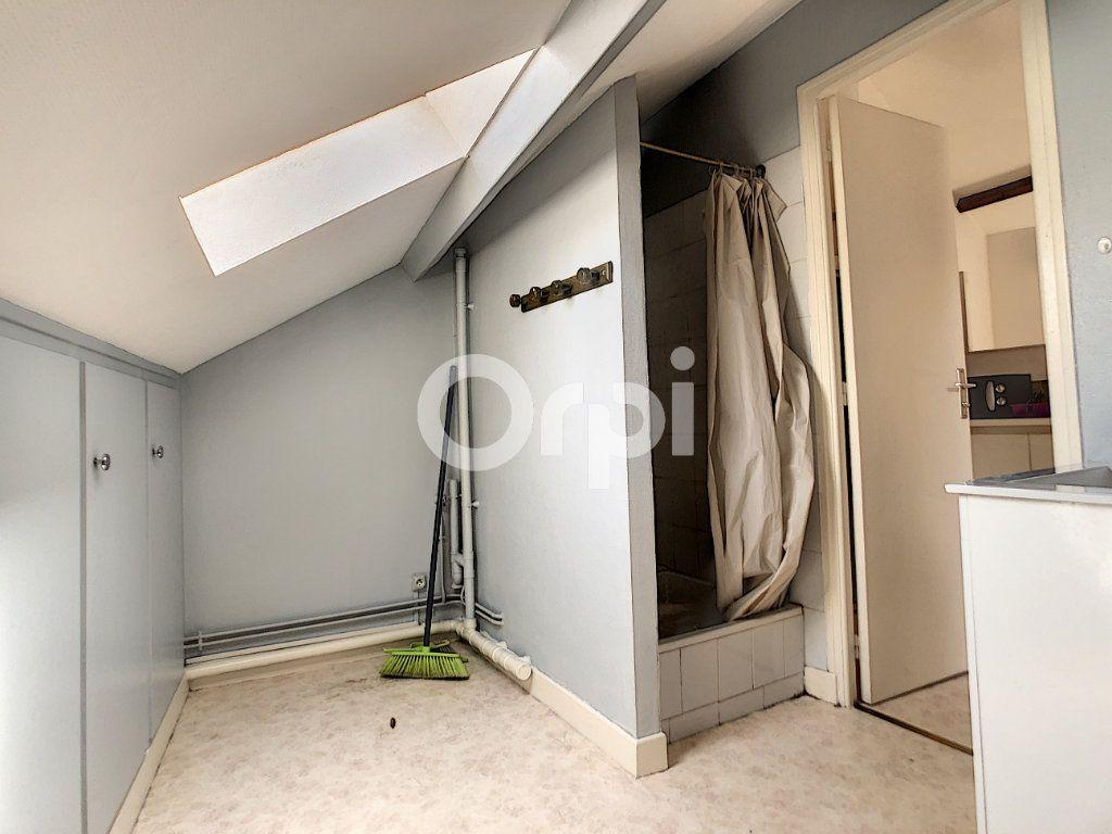 Appartement à louer 1 21m2 à Brive-la-Gaillarde vignette-6