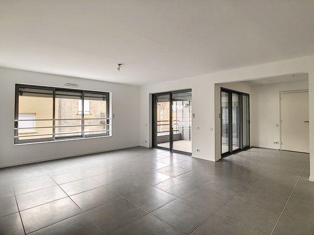 Appartement à vendre 2 74.28m2 à Brive-la-Gaillarde vignette-3