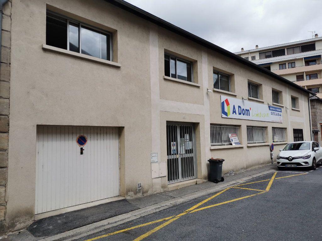 Immeuble à vendre 0 271m2 à Brive-la-Gaillarde vignette-1