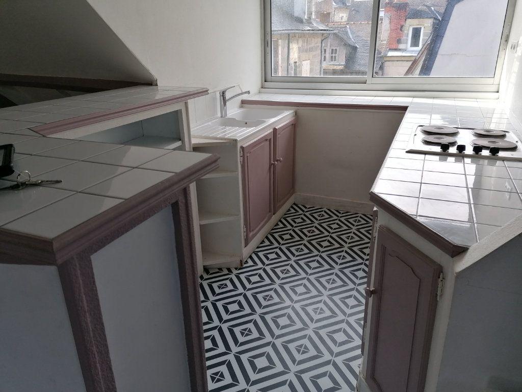 Appartement à louer 2 38m2 à Brive-la-Gaillarde vignette-3