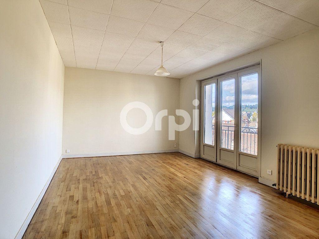 Appartement à louer 2 51m2 à Brive-la-Gaillarde vignette-3