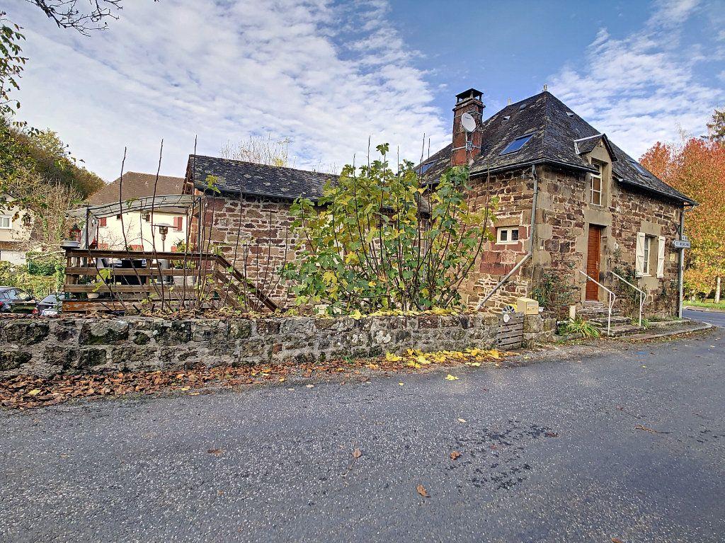 Maison à vendre 4 106m2 à Lanteuil vignette-1