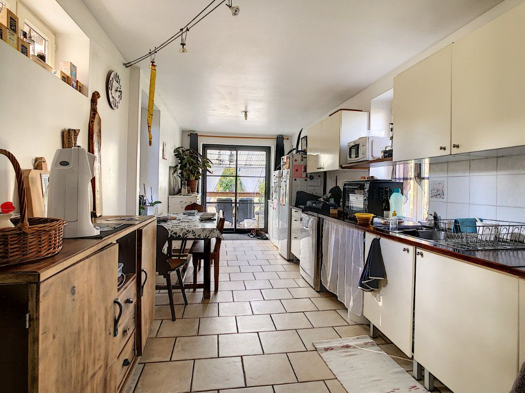 Maison à vendre 4 106m2 à Lanteuil vignette-5