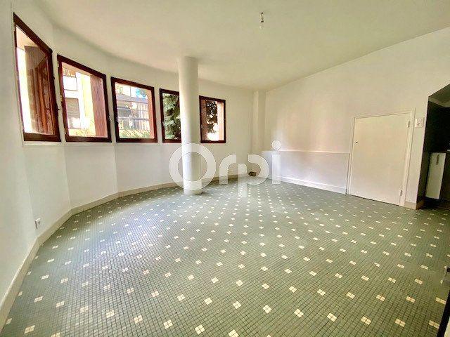 Appartement à louer 2 44m2 à Brive-la-Gaillarde vignette-2