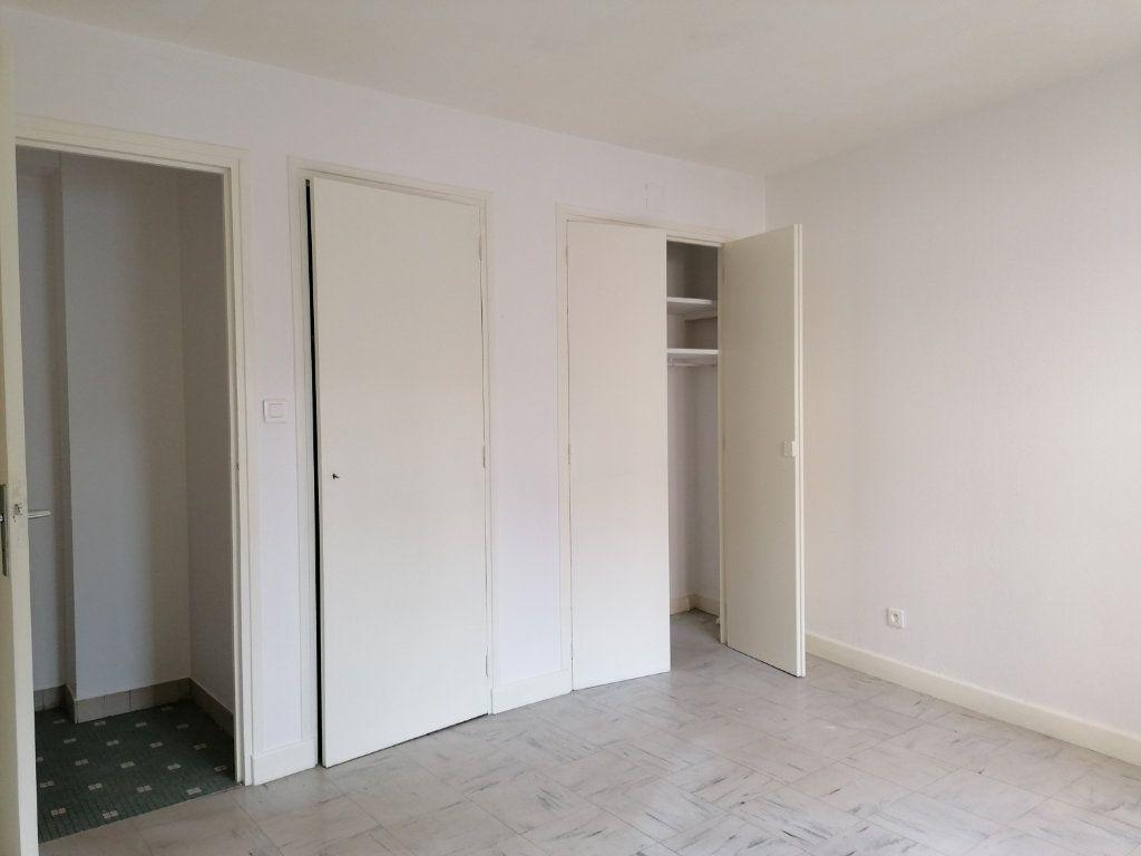Appartement à louer 2 44m2 à Brive-la-Gaillarde vignette-5