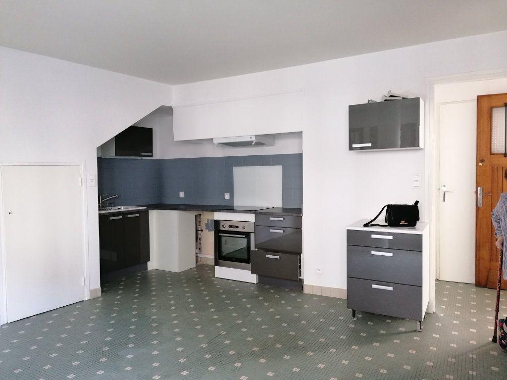 Appartement à louer 2 44m2 à Brive-la-Gaillarde vignette-7