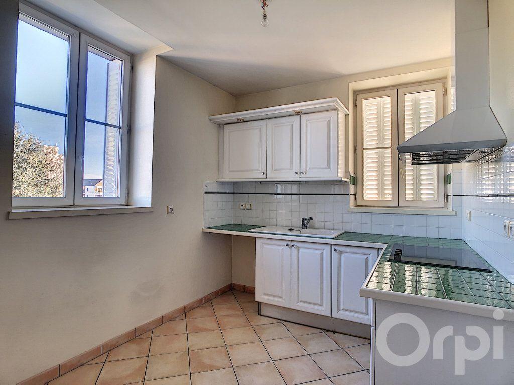 Appartement à vendre 3 66.81m2 à Brive-la-Gaillarde vignette-2