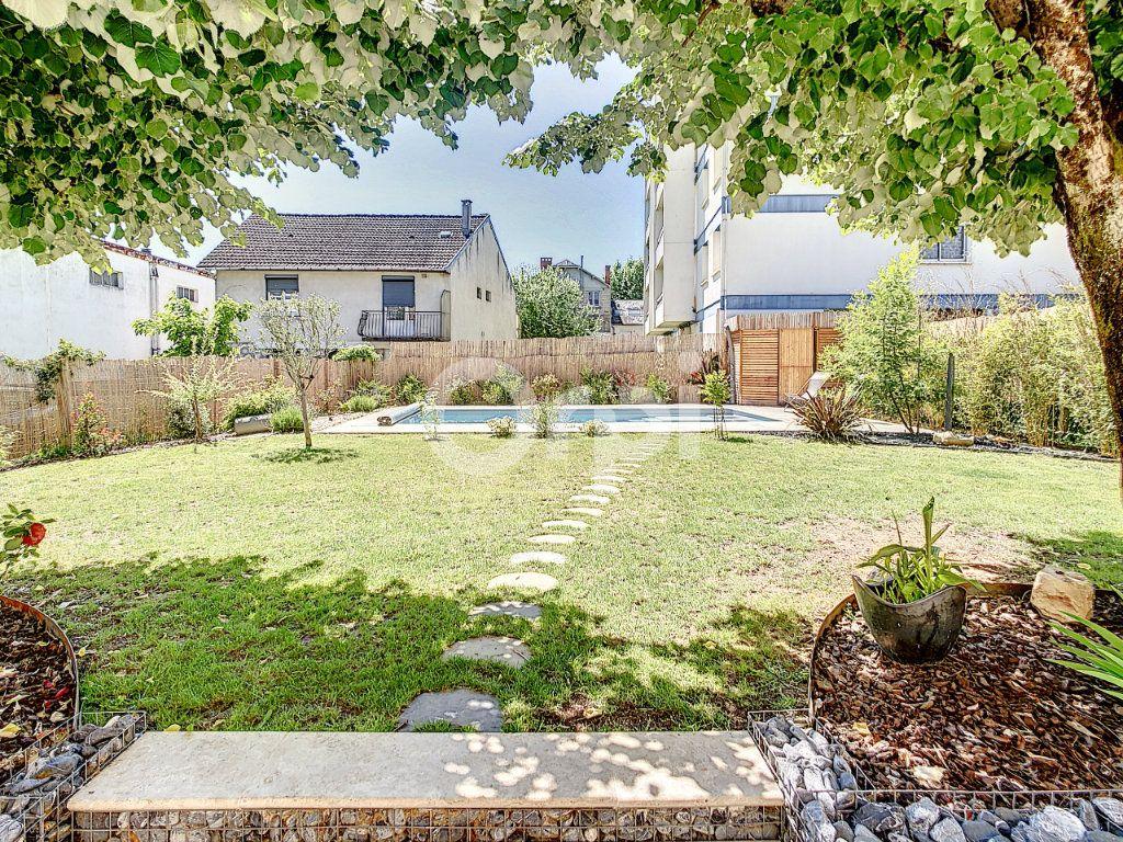 Maison à vendre 7 154m2 à Brive-la-Gaillarde vignette-4