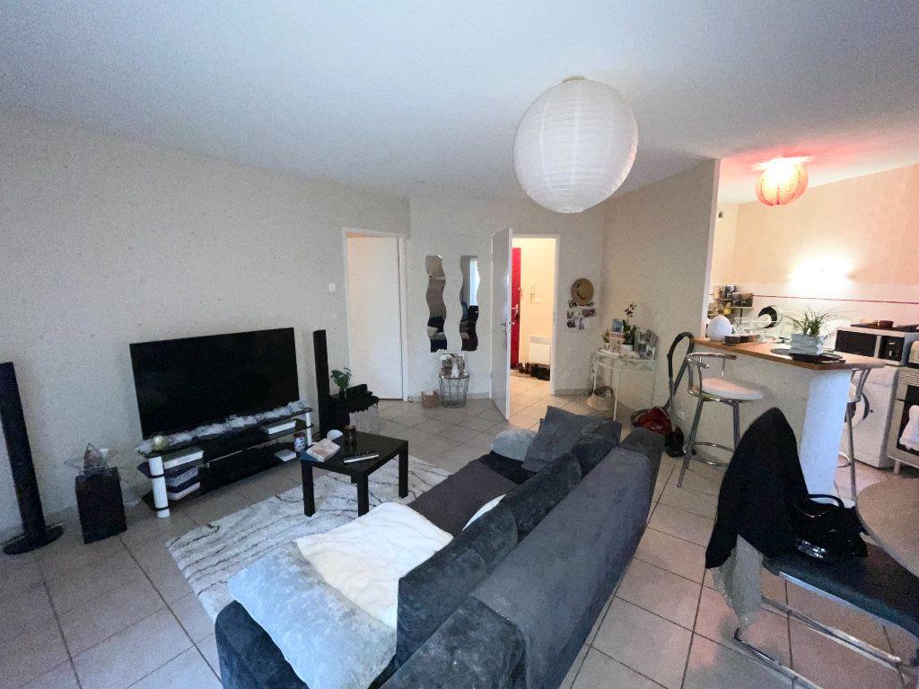 Appartement à vendre 2 52m2 à Malemort-sur-Corrèze vignette-2