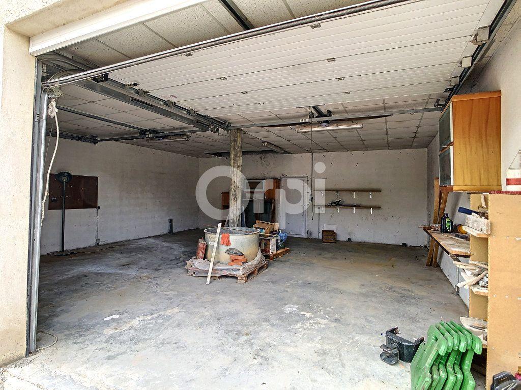 Maison à vendre 7 134m2 à Saint-Hilaire-Peyroux vignette-15