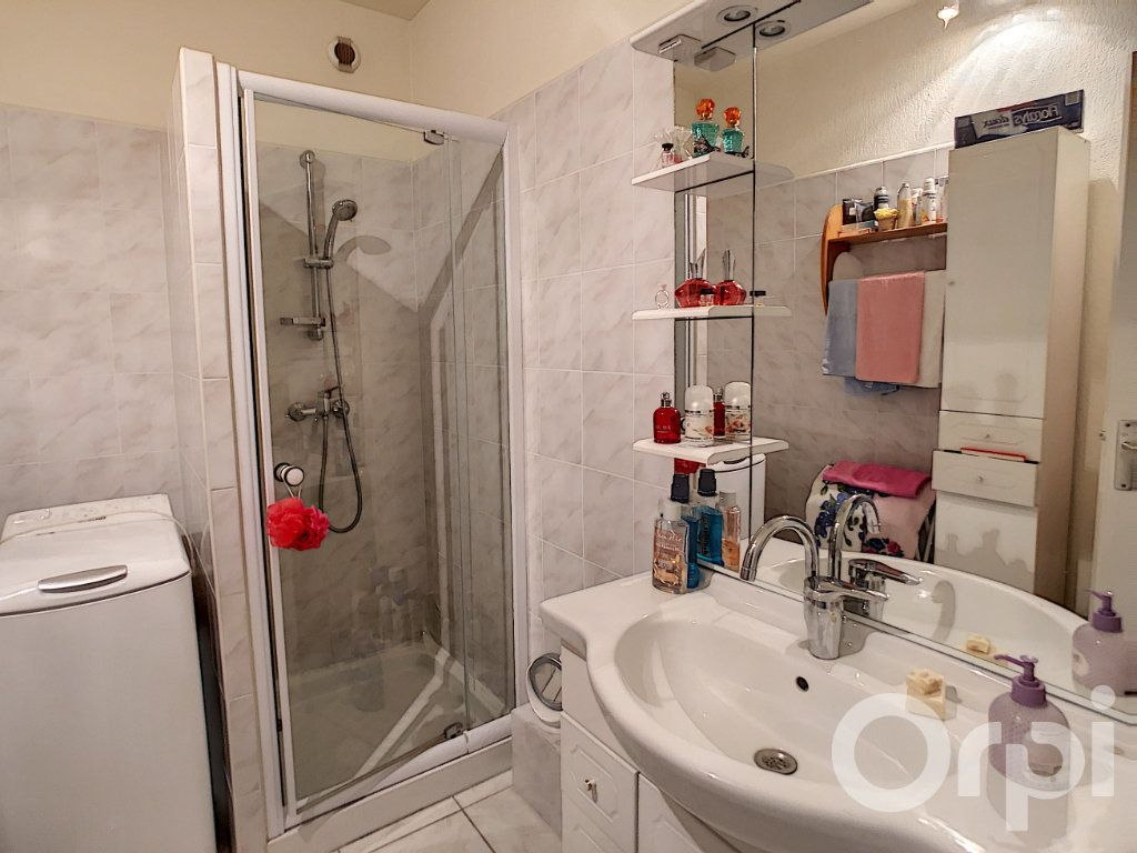 Appartement à vendre 3 62m2 à Brive-la-Gaillarde vignette-3