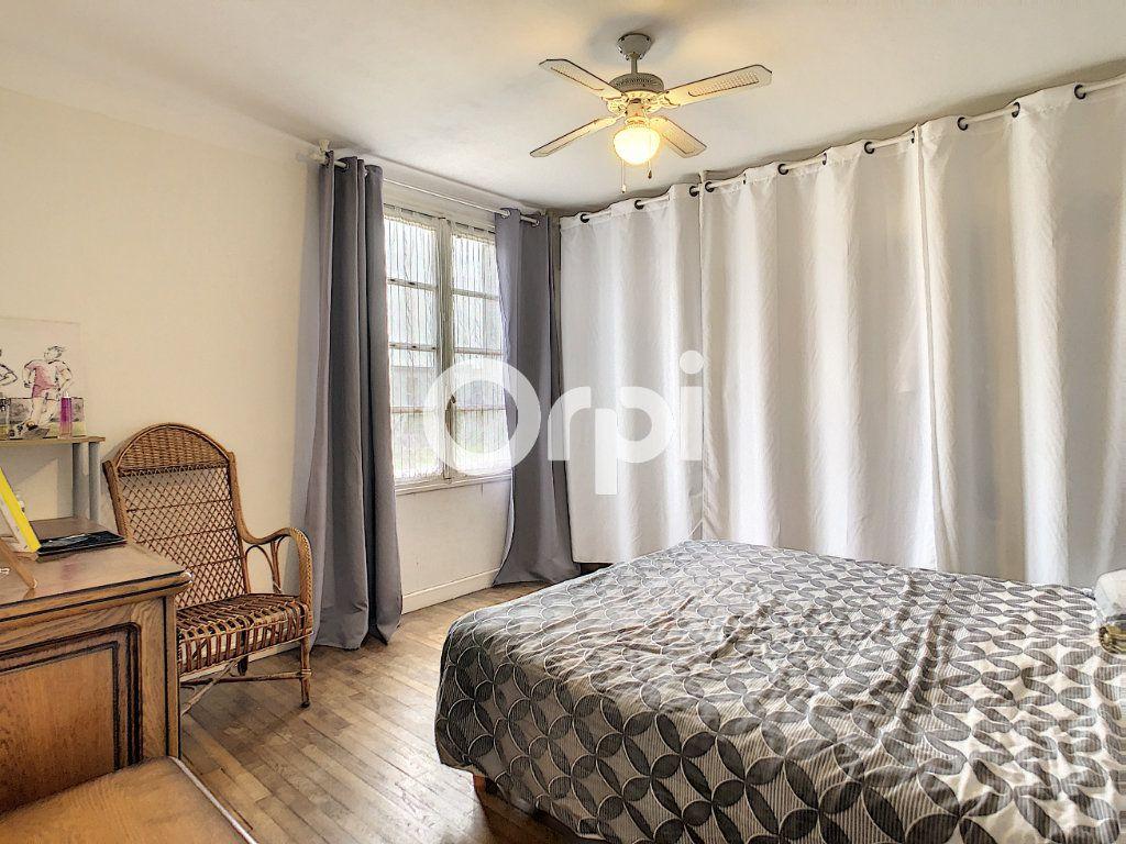 Maison à vendre 6 146m2 à Brive-la-Gaillarde vignette-5