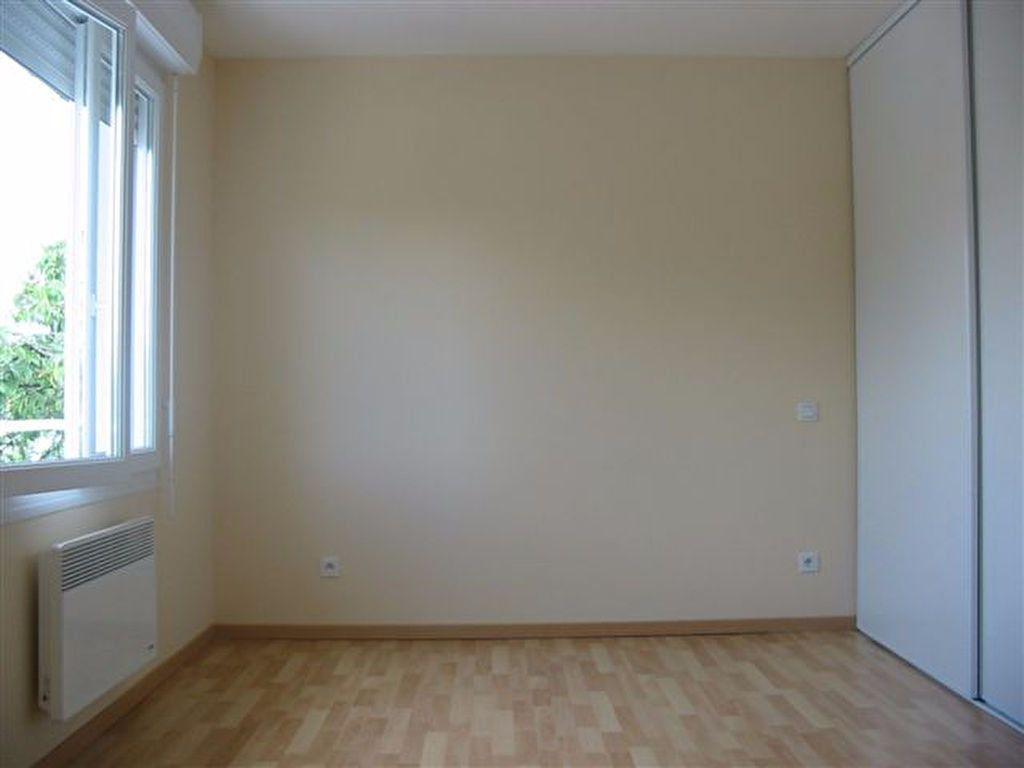 Appartement à louer 1 20.37m2 à Brive-la-Gaillarde vignette-2