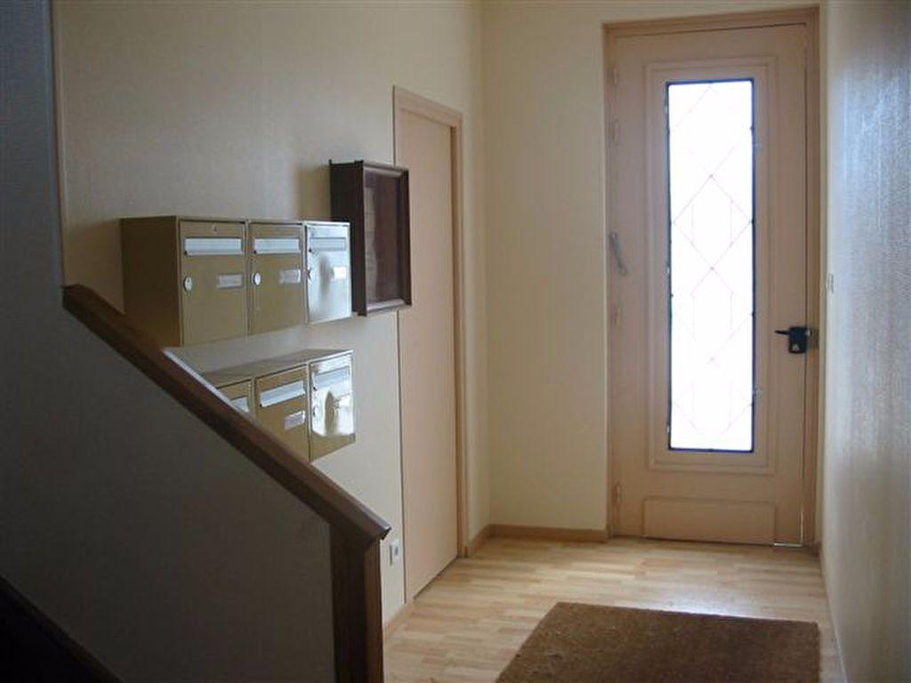Appartement à louer 1 20.37m2 à Brive-la-Gaillarde vignette-4