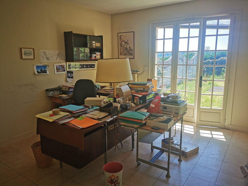 Maison à vendre 8 185m2 à Brive-la-Gaillarde vignette-9