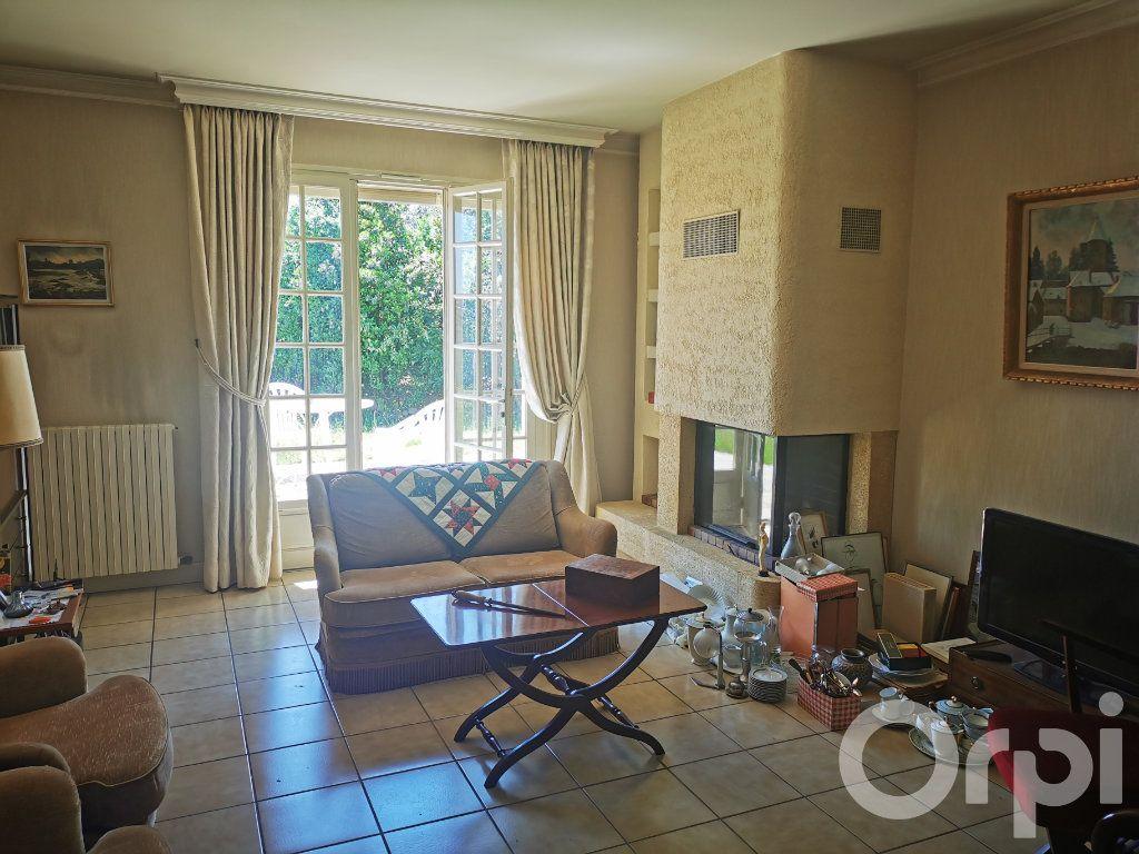 Maison à vendre 8 185m2 à Brive-la-Gaillarde vignette-11