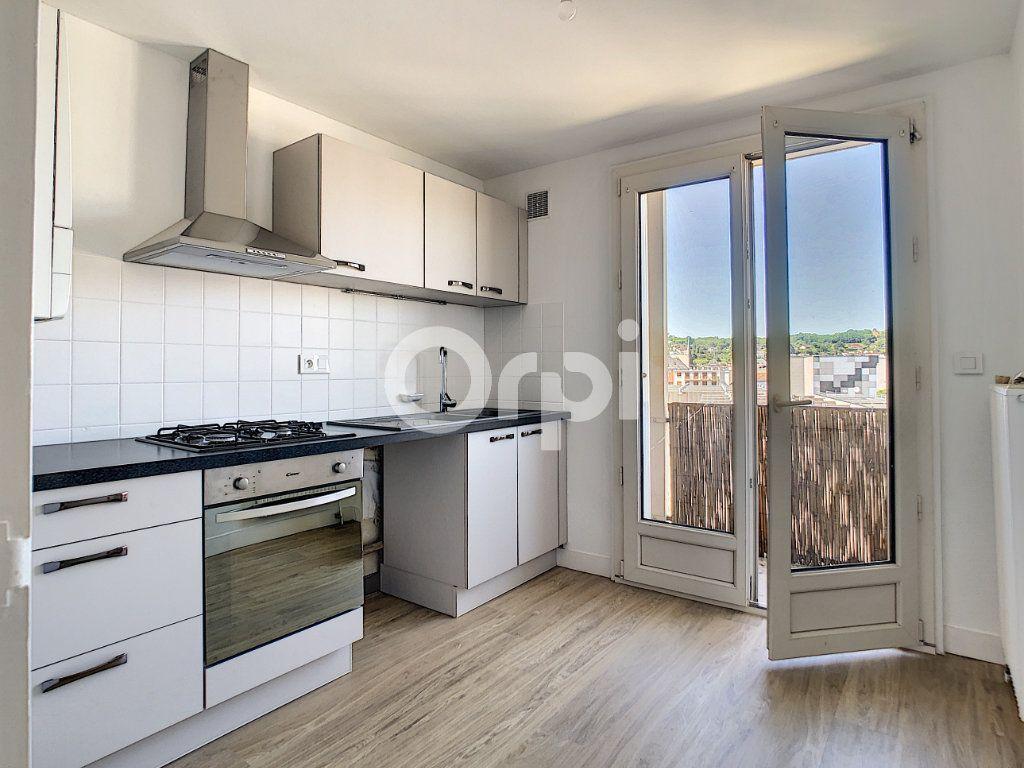 Appartement à louer 3 64m2 à Brive-la-Gaillarde vignette-1