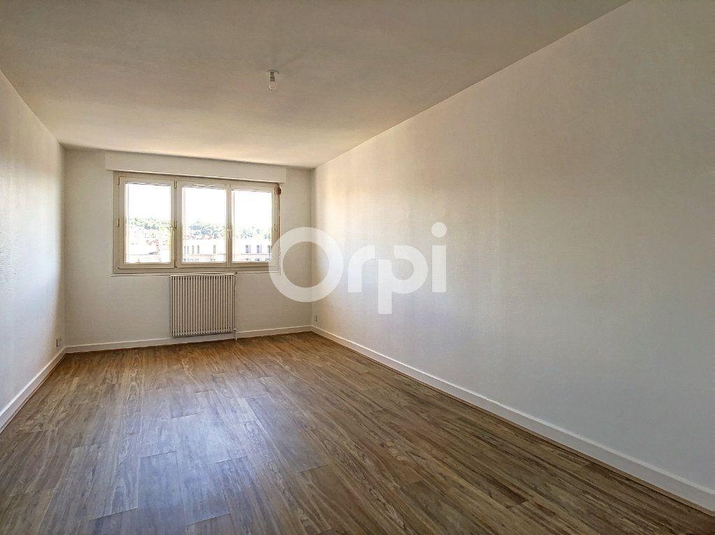 Appartement à louer 3 64m2 à Brive-la-Gaillarde vignette-4