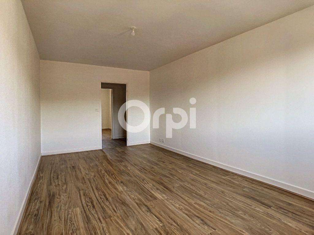 Appartement à louer 3 64m2 à Brive-la-Gaillarde vignette-6