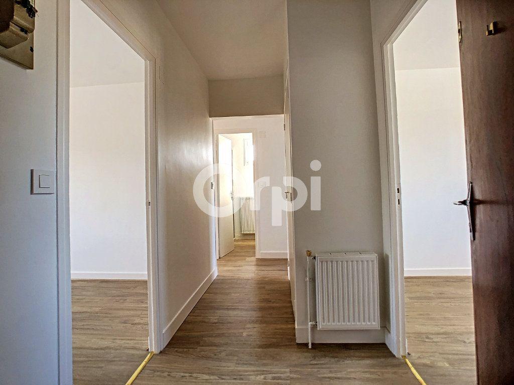 Appartement à louer 3 64m2 à Brive-la-Gaillarde vignette-7