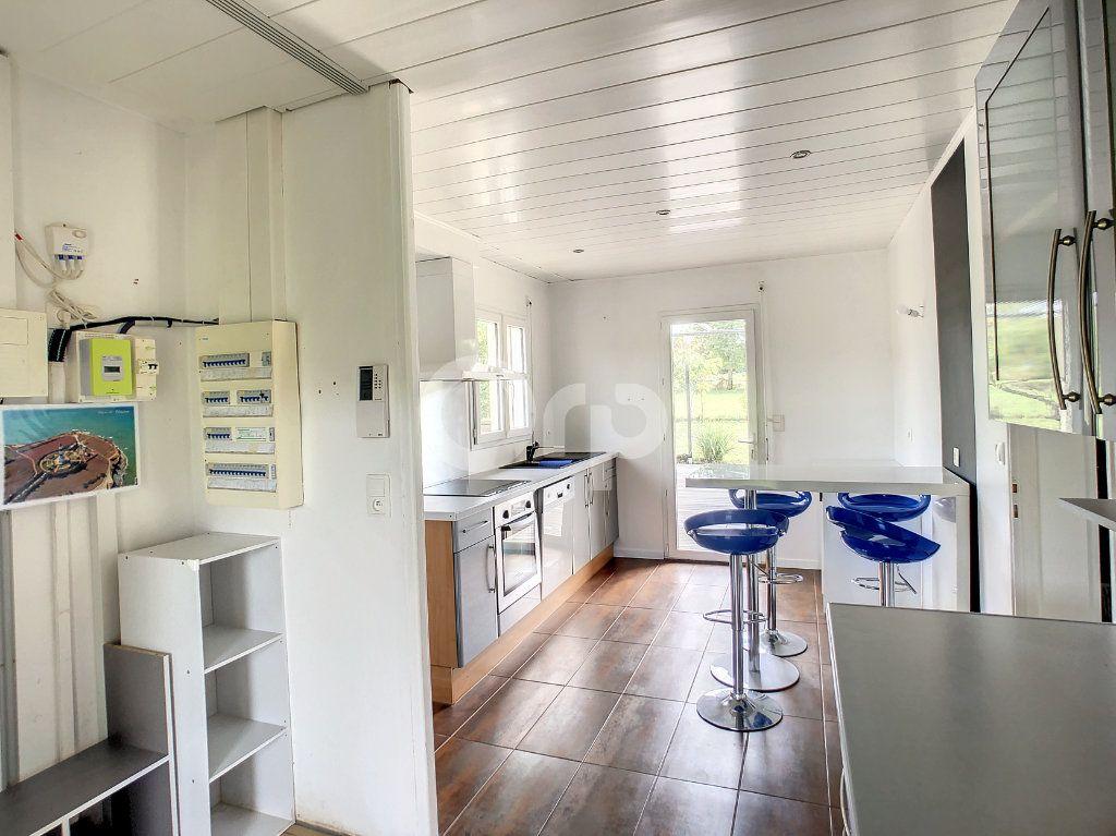 Maison à louer 5 140m2 à Saint-Mexant vignette-2