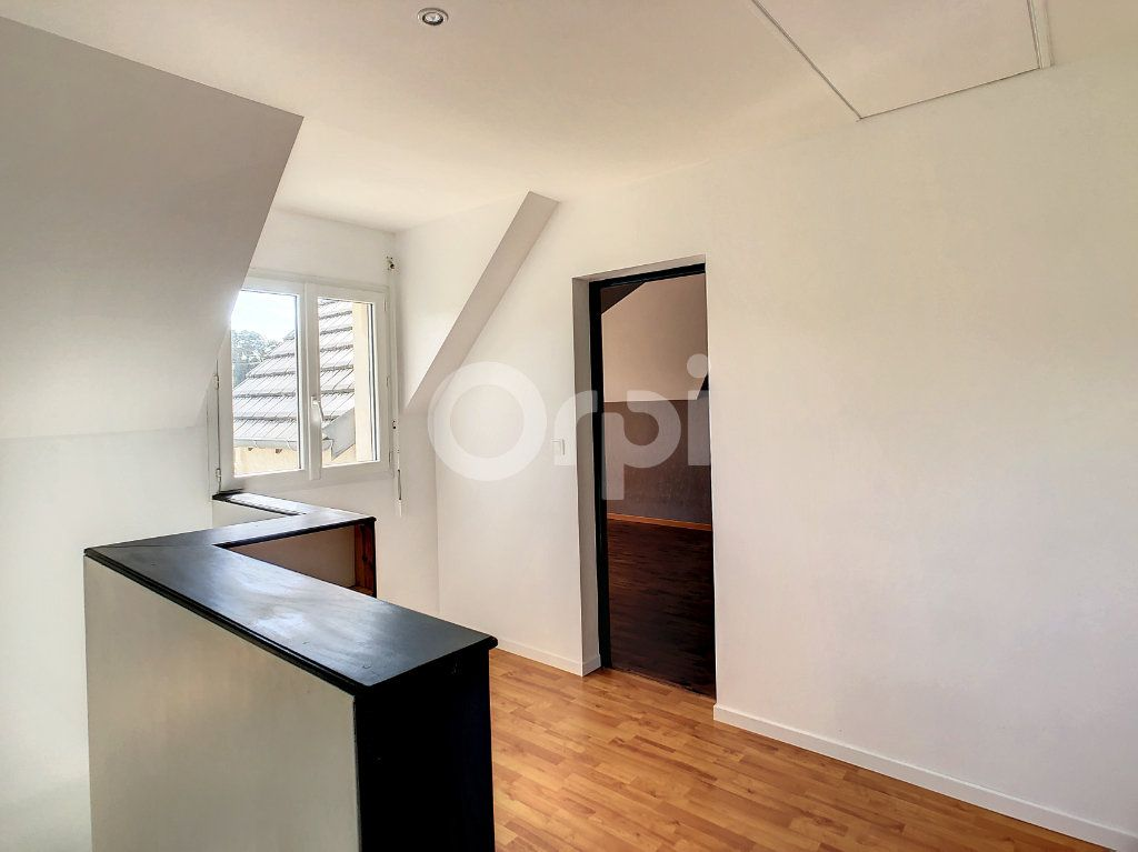 Maison à louer 5 140m2 à Saint-Mexant vignette-5