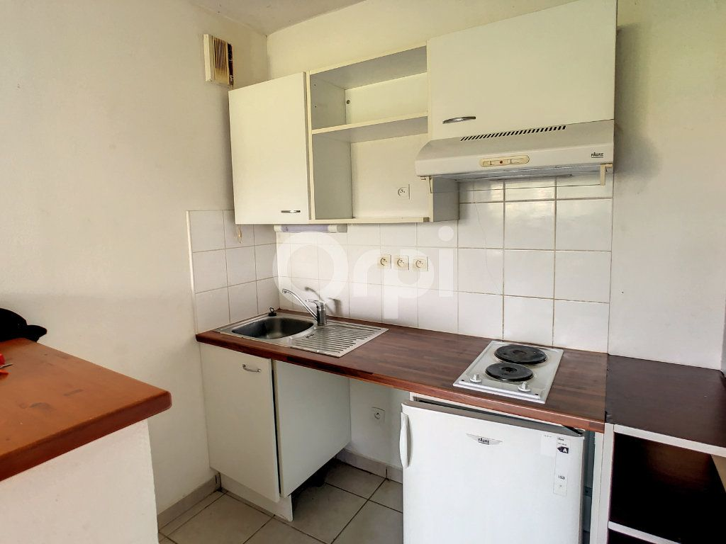 Appartement à louer 2 38m2 à Malemort-sur-Corrèze vignette-1