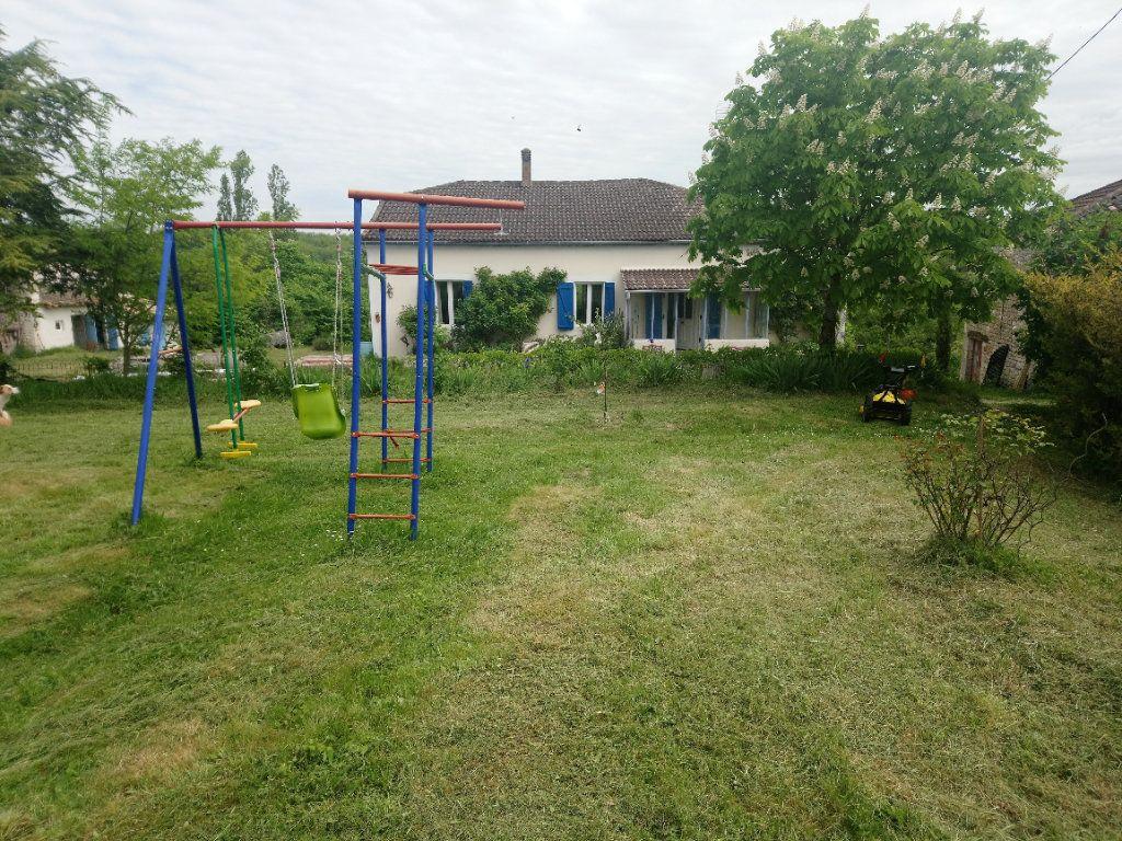 Maison à vendre 4 145m2 à Montaigu-de-Quercy vignette-1