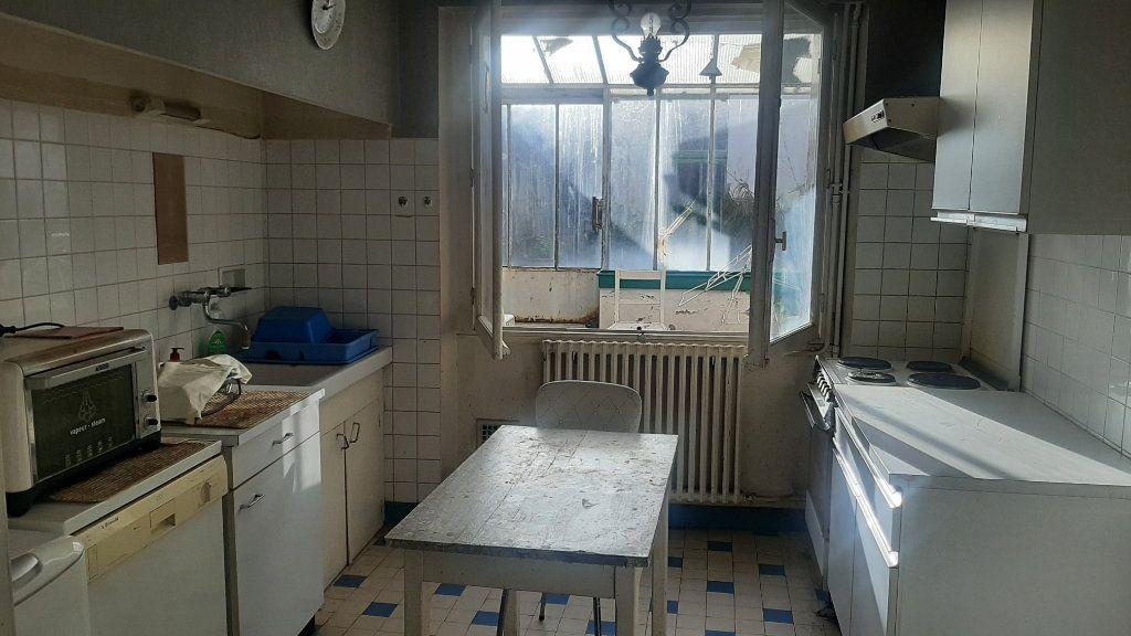 Maison à vendre 4 105m2 à Beaumont-de-Lomagne vignette-6