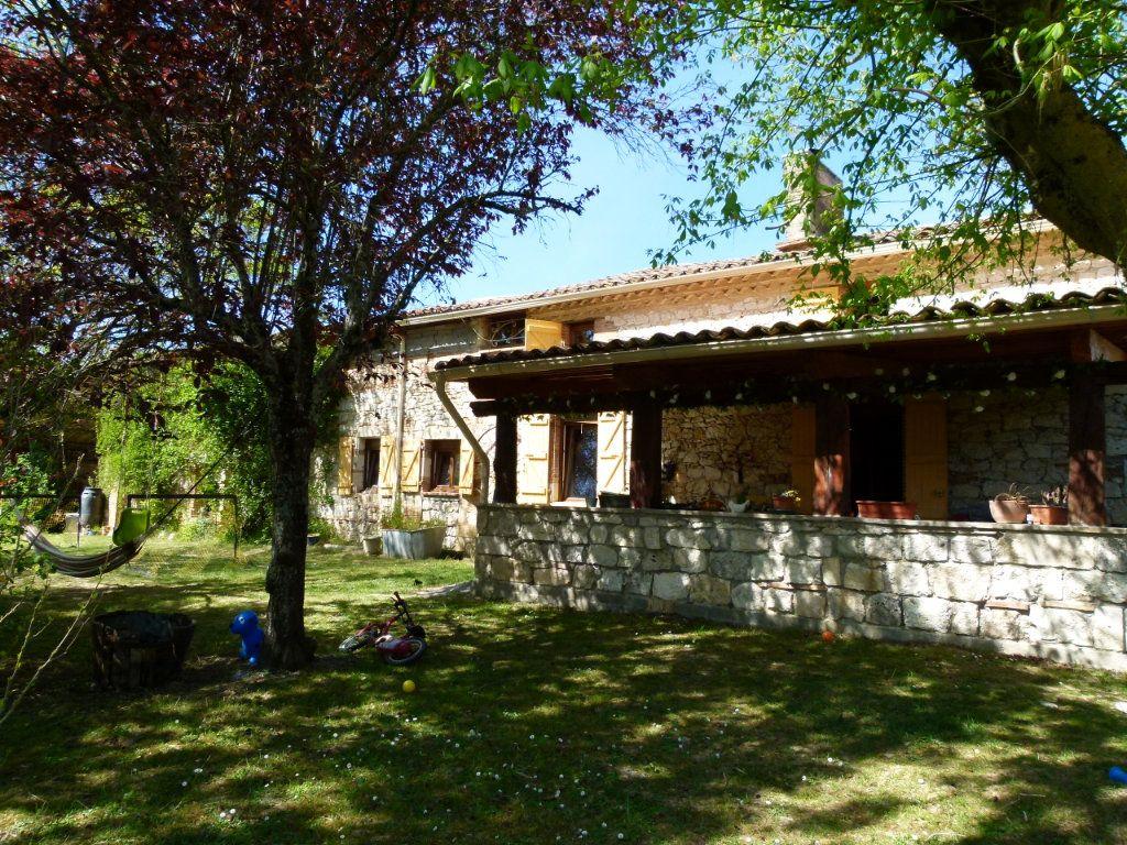 Maison à vendre 5 185m2 à Beaumont-de-Lomagne vignette-8