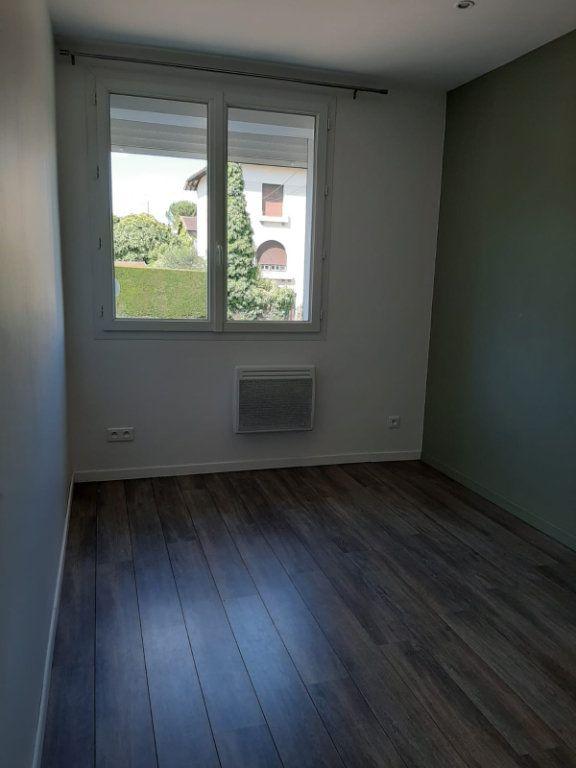 Maison à louer 4 81m2 à Beaumont-de-Lomagne vignette-9