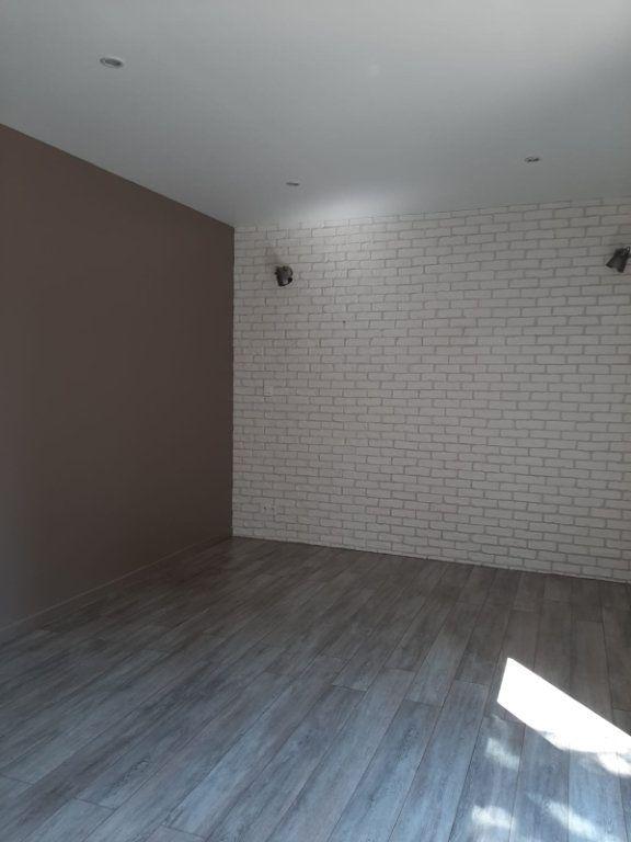 Maison à louer 4 81m2 à Beaumont-de-Lomagne vignette-10