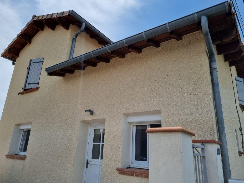 Maison à louer 5 111m2 à Saint-Nauphary vignette-1