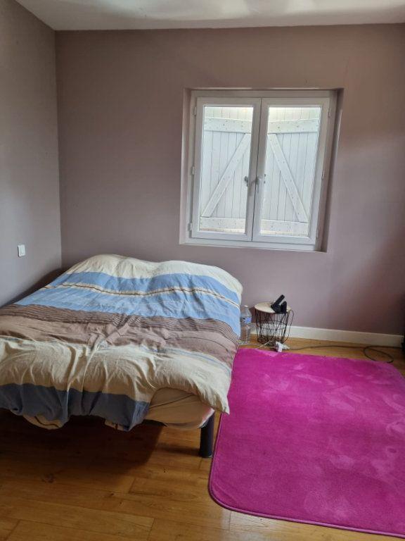 Maison à louer 5 111m2 à Saint-Nauphary vignette-7