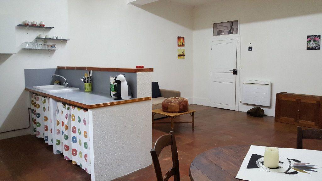 Appartement à louer 2 56m2 à Beaumont-de-Lomagne vignette-1