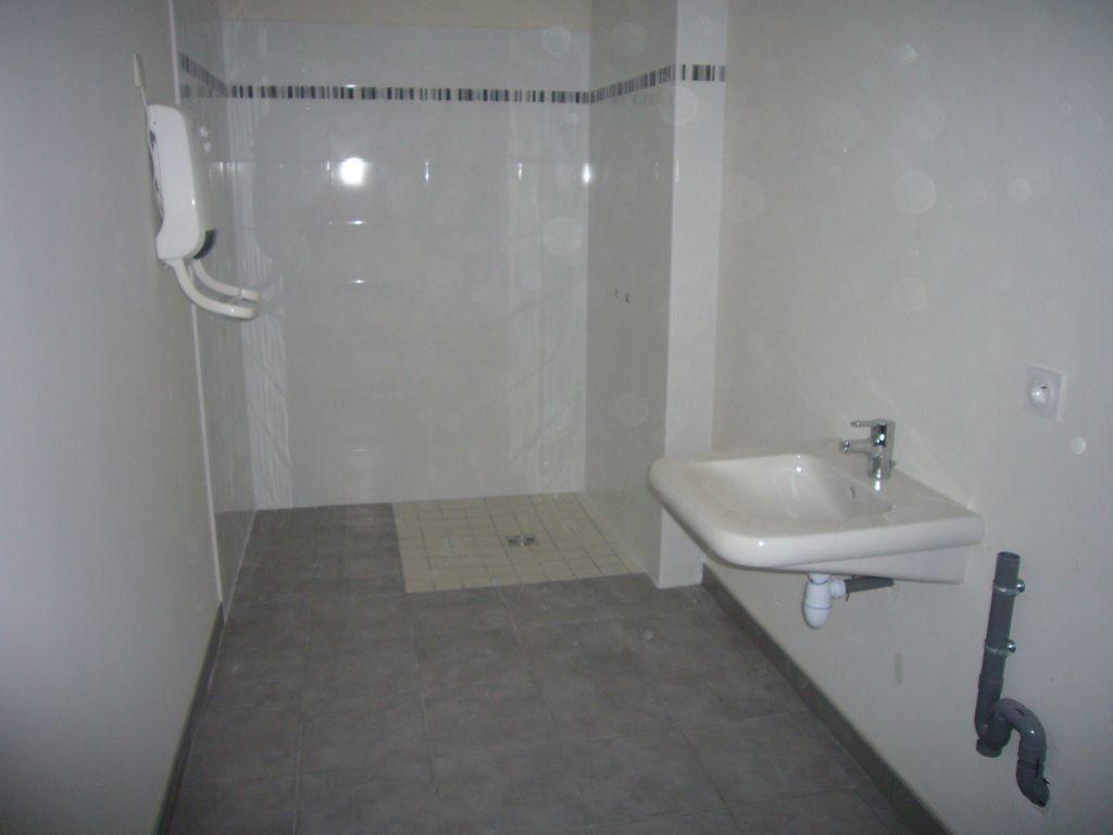 Appartement à louer 2 45.96m2 à Montauban vignette-6